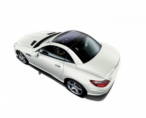Japan gets the new Mercedes SLK 200 Radar Safety Edition