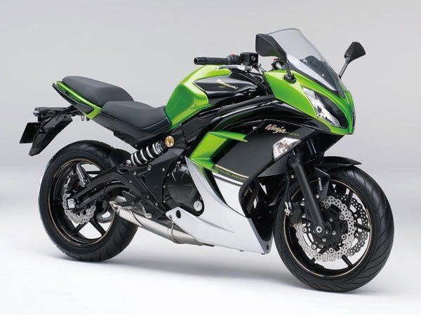 2014-Kawasaki-Ninja-400R motoroids-pramotion-728 2014-Kawasaki-Ninja-400R-2 2014-Kawasaki-Ninja-400R-seat 2014-Kawasaki-Ninja-400R-seat-height 2014-Kawasaki-Ninja-400R-4