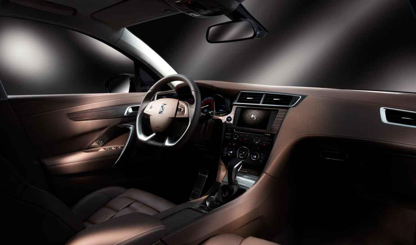 FERIA INTERNACIONAL DEL AUTOMOVILISMO,AUTOS TUNING-http://motoroids.com/wp-content/uploads/2013/12/Citroen-DS-5LS-pics-4.jpg