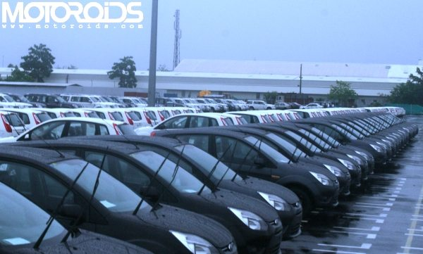 Dun & Bradstreet Project a Dull 2014 for Car Sales in India