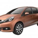 Video: Kapil Sharma sells Honda Mobilio to a 'Neta' this time