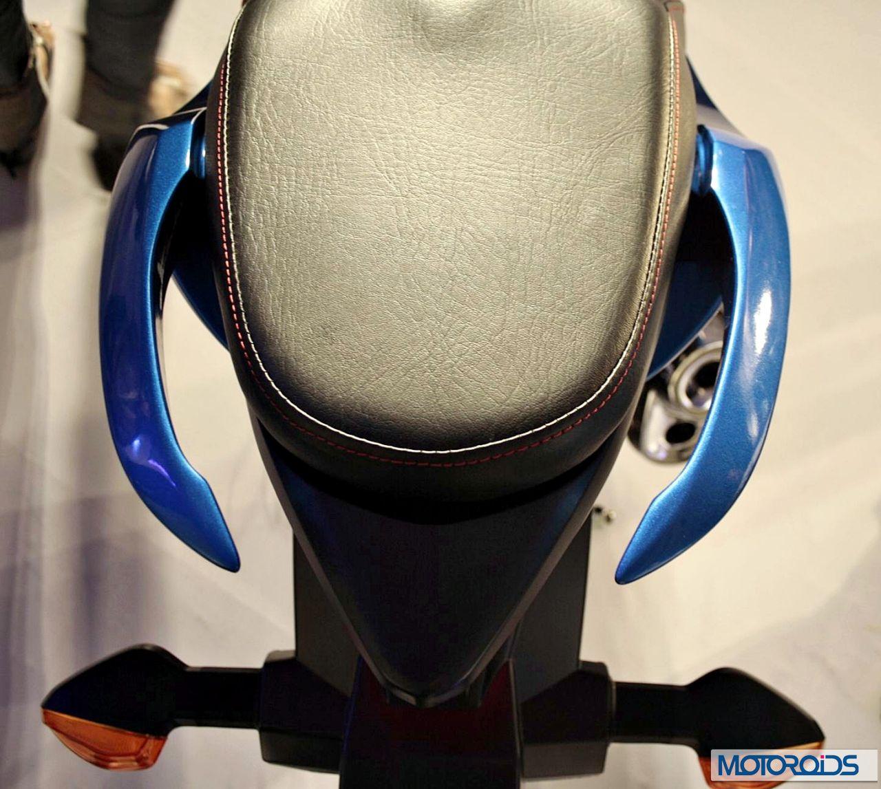 Yamaha FZS Fi Vs Suzuki Gixxer 155: Features And Tech