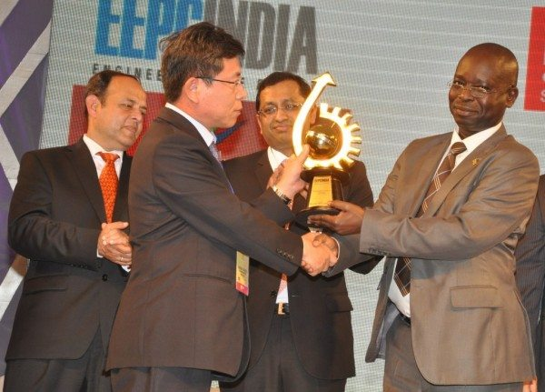 EEPC India awards Hyundai with the 'Top Exporter of the year' Award for 2012-13