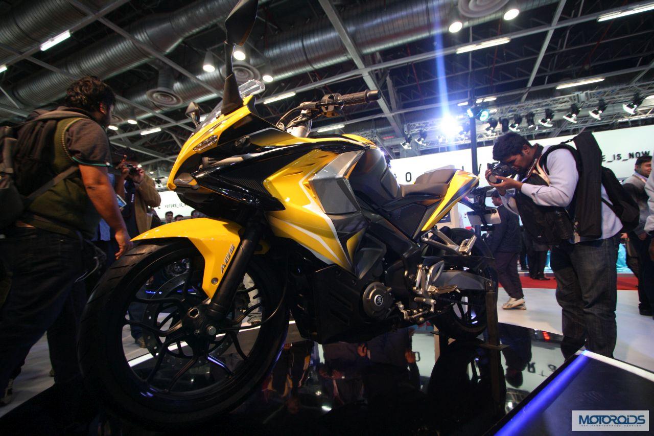 Auto Expo 2014 Bajaj Pulsar Ss400 And Pulsar Cs400   2016 Car Release