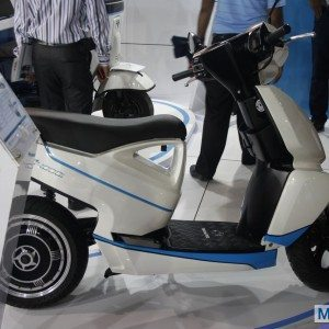Terra Motors A 4000i scooter Auto Expo 2014 (1)