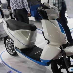 Terra Motors A 4000i scooter Auto Expo 2014 (3)
