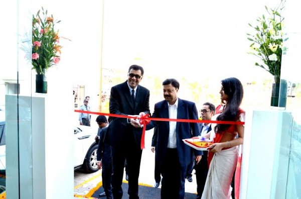 Jaguar Land Rover inaugurates its new showroom in Bhubaneswar