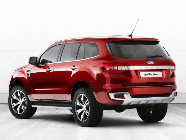 Upcoming 2015 Ford Endeavour Interiors Spied | Motoroids