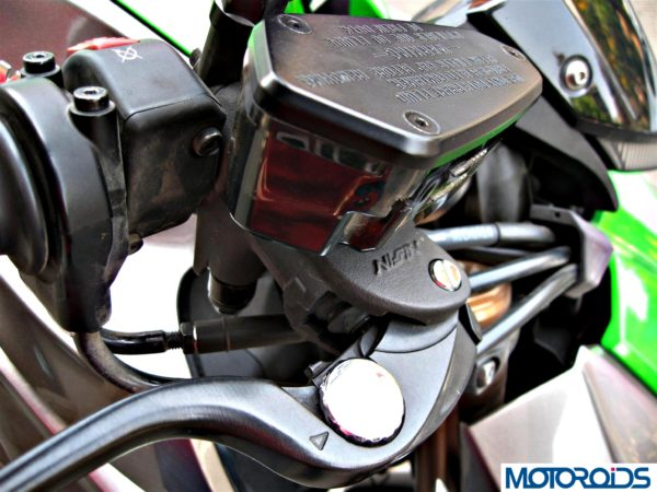 2014 Kawasaki Z1000 brake reservoir