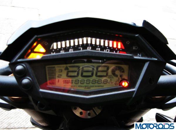 2014 Kawasaki Z1000 speedometer dashboard