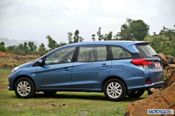 Honda Mobilio front (13)