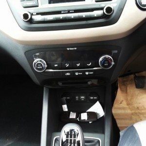 2014 Hyundai i20 interiors (4)