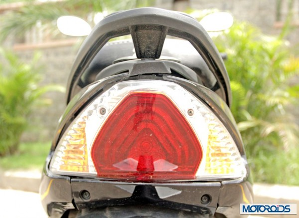 2014 TVS Wego 110 tail lamp (4)