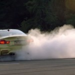 Video: A BMW M4 smokes in the company of its siblings