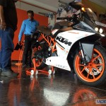 New KTM RC390 reaches dealerships, waiting period 90 days
