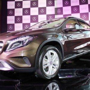 Mercedes-Benz GLA (1)