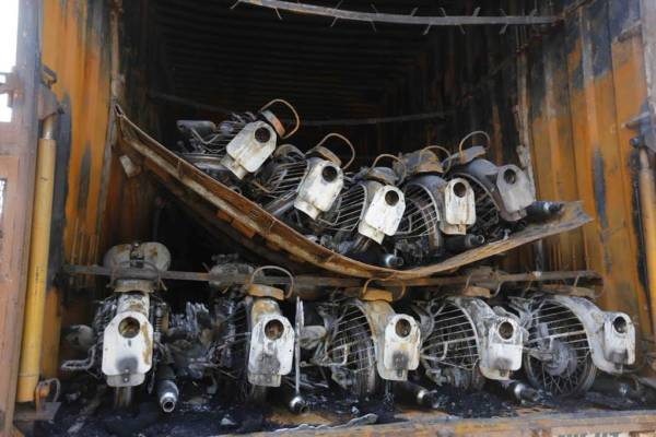 Truck carrying Royal Enfield catches fire - 2