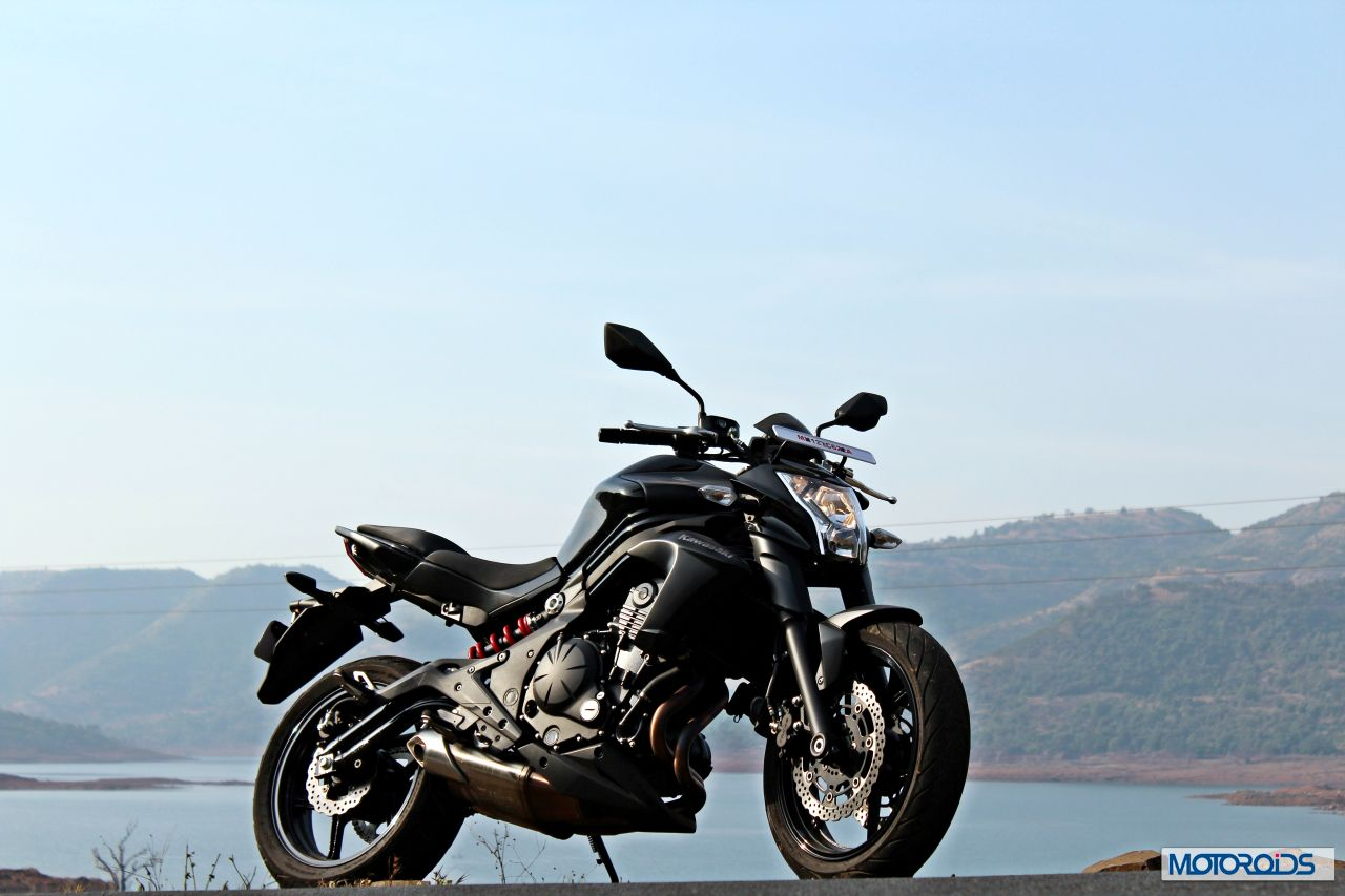 Kawasaki ER-6n Review : Bare Brawn